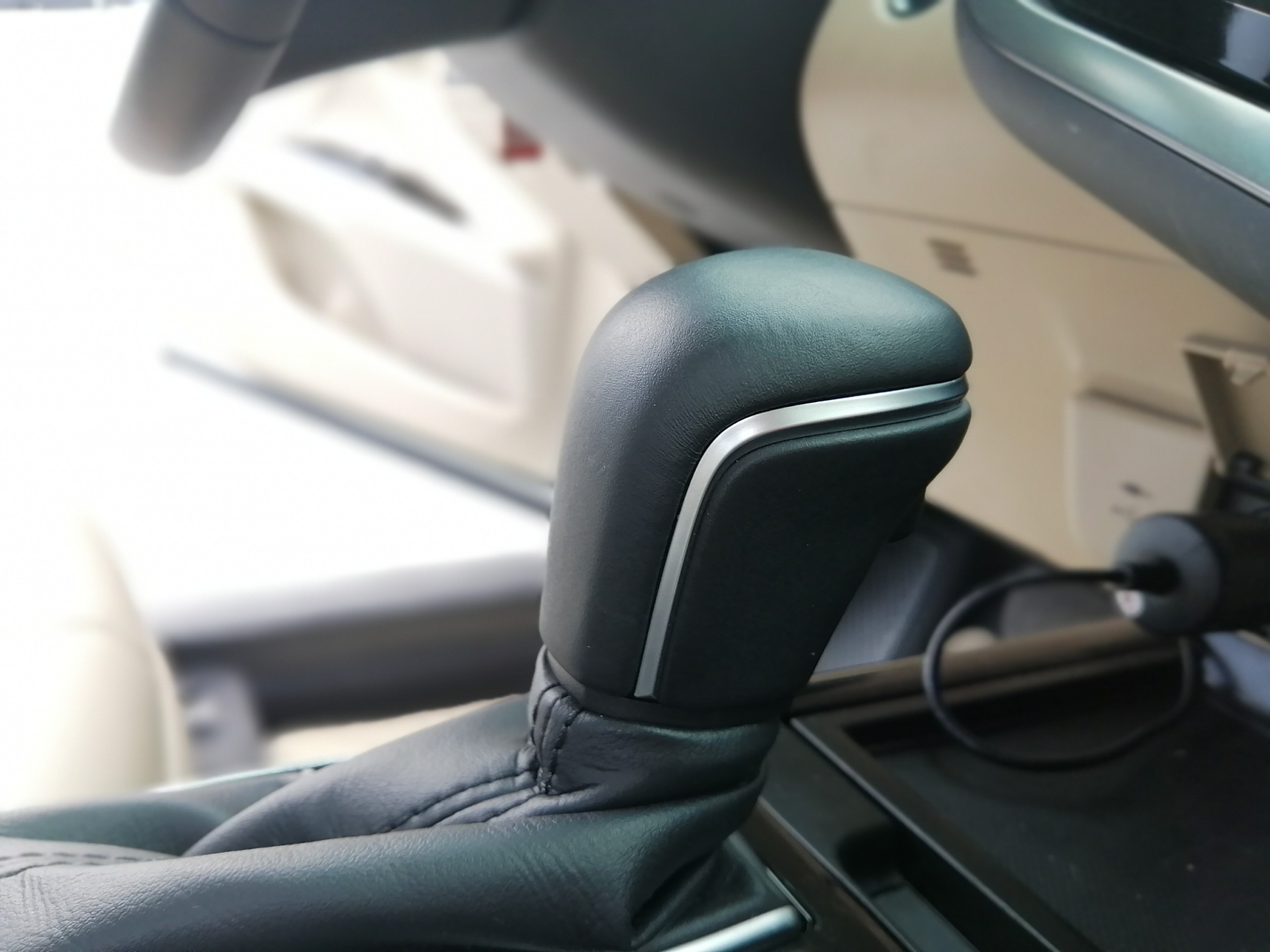 Toyota Camry 2.0G 2020 – Trắng
